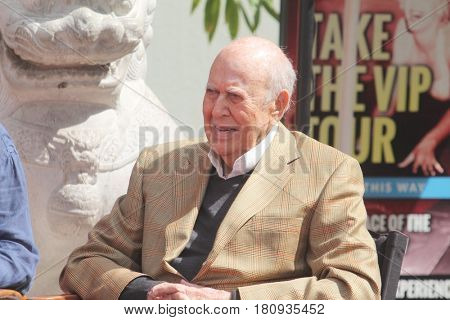 LOS ANGELES - APR 7:  Carl Reiner at the Carl and Rob Reiner Hand and Footprint Ceremony at the TCL Chinese Theater IMAX on April 7, 2017 in Los Angeles, CA