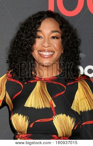 LOS ANGELES - APR 8:  Shonda Rhimes at the