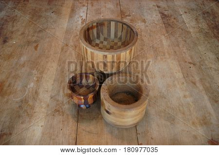 wood bowls table  maple  grain checker stripes