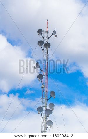 communication tower high power wifi antenna post hotspot long range digital data transport.