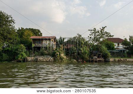 Chao Phraya Riverside Houses