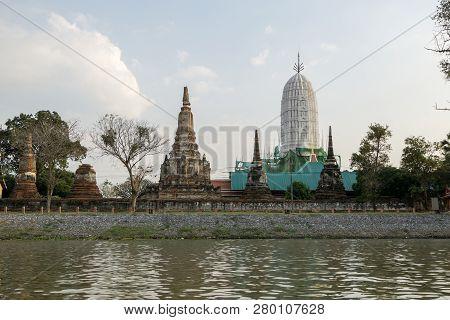 Wat Phutthaisawan Riverview