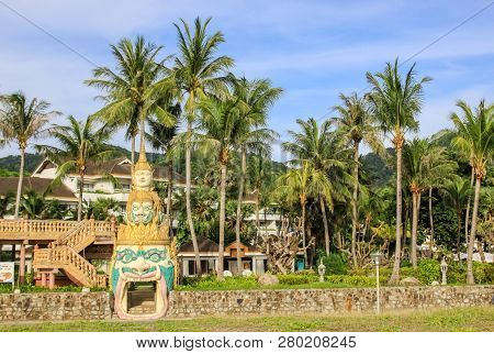Bangkok, Thailand - August 24, 2018: Temple Complexes In Thailand. Buddhist Temples In Bangkok