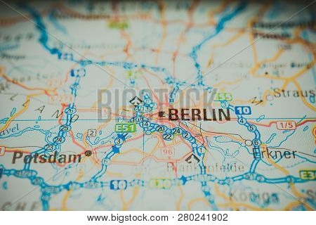 Berlin On The Map, Atlases And City Guides