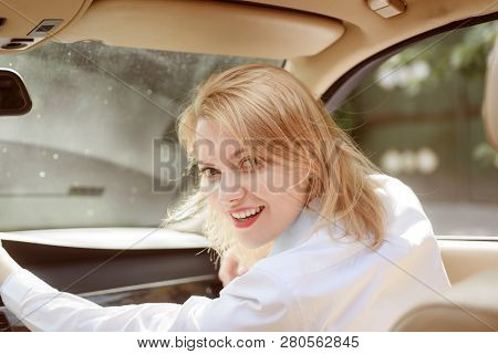 Traveling With Pleasure. Pretty Girl Travel By Automobile Transport. Traveling By Road Transport. Se
