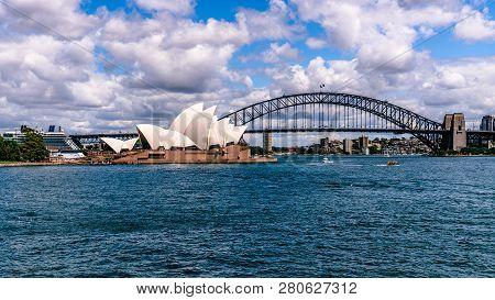 23rd December 2018, Sydney Australia: Panorama Of Sydney Opera House And Harbour Bridge In Sydney Ns