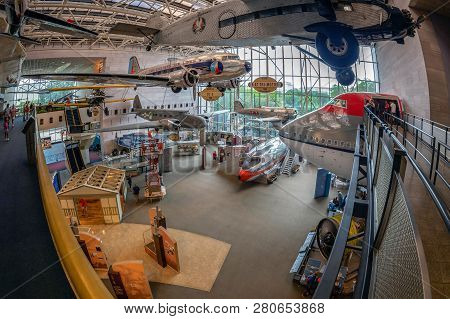 Washington Dc, Usa - September 4, 2018: Inside In The National Air And Space Museum Of The Smithsoni