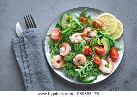 Avocado Shrimp Salad With Arugula And Tomatoes