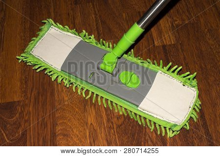 Mop For Wet Cleaning.wet Cleaning Laminate.washing Of Floors.
