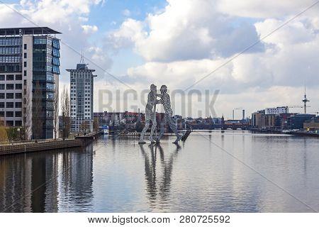 Berlin, Germany - February 25, 2015: Molecule Man Sculpture On Spree River In Berlin. Designed By Jo