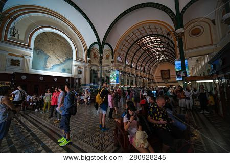 Ho Chi Minh City, Vietnam - 01, 2019: Customers And Tourists At The General Post Office. Royalty Fre