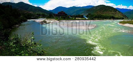 Punakha Dzong, The Old Capital Of Bhutan At The Confluence Of Pho Chu And Mo Chu Rivers