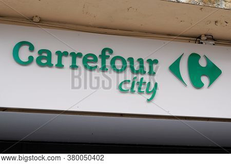 Bordeaux , Aquitaine / France - 08 04 2020 : Carrefour City Logo And Green Text Sign For Store Entra