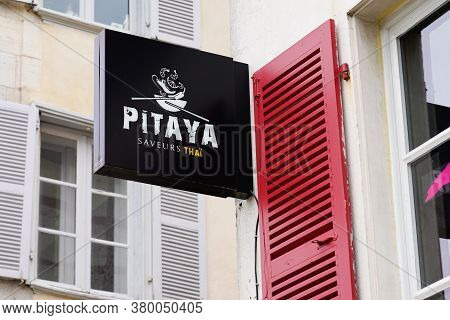Bordeaux , Aquitaine / France - 08 04 2020 : Pitaya Logo And Text Sign Front Of Thai Street Food Buo