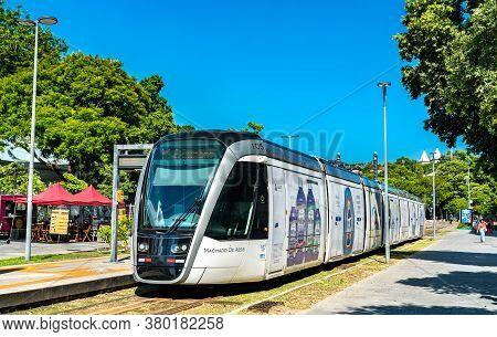 Rio De Janeiro, Brazil - January 31, 2020: Modern City Tram At Parada Dos Museus Stop In Central Rio