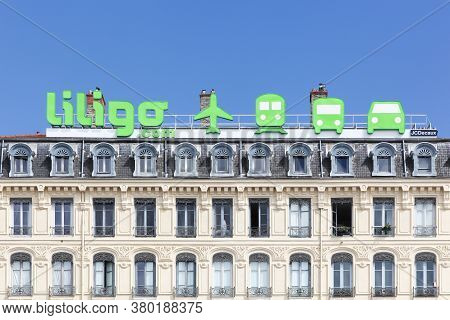 Lyon, France- July 29, 2017: Liligo.com Logo And Advertising On A Building In Lyon. Liligo.com Is A