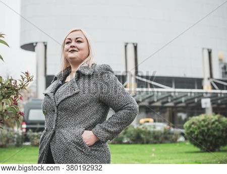 Concept Of Fashion For Big Women. Lifestyle Of Modern Lady In Big City Life. Ideas For Ladies. Life