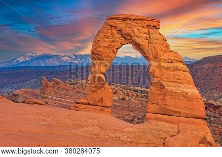 Delicate Arch At Sunset In Arches National Park In Utah