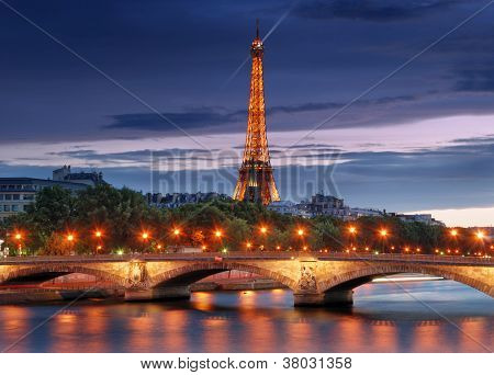 Pont Des Invalides.