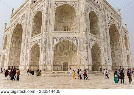 Agra, India - November 03, 2019: Tourists Walking Around The Taj Mahal In Agra, India