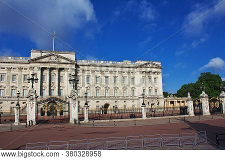Buckingham Palace In London City, England, Uk