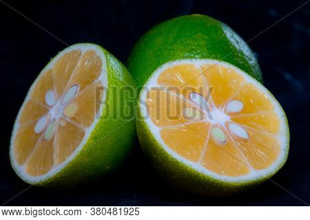 Closeup Of Ripe Sliced lime.closeup Of Ripe Sliced lime
