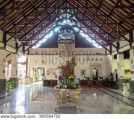 Nusa Dua, Bali / Indonesia - 10/31/2017 Typical Reception Foyer Where Guests Are Greeted At Hotels I