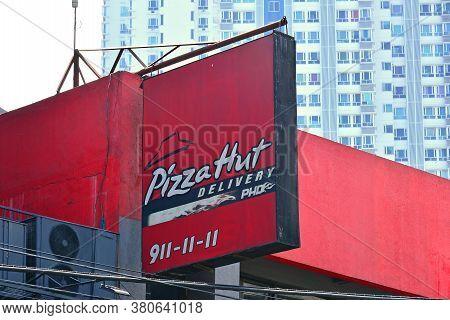Quezon City, Ph - Mar 30 - Pizza Hut Sign On March 30, 2018 In Quezon City, Philippines.