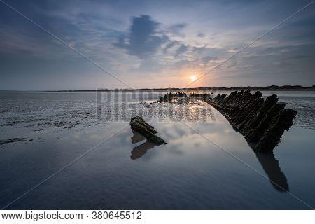 Ss Nornen Ship Wreck, Burnham On Sea At Sunrise