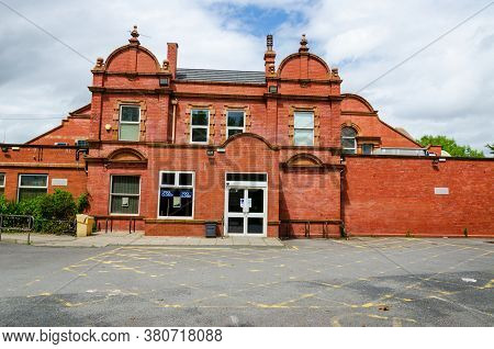 Wallasey, Uk: Jun 23, 2020: The Guinea Gap Leisure Centre Is Home To 2 Swimming Baths Along With Var