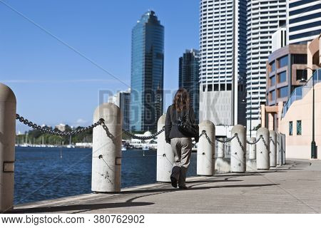 Brisbane, Australia - September 8, 2008: People Walking Near The Waterfront