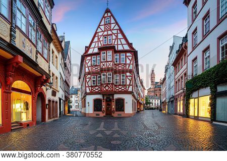 Mainz, Germany. Cityscape Image Of Mainz Old Town During Summer Sunrise.
