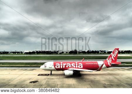 Bangkok, Thailand - August 23, 2020 : Low Cost Airline Air Asia Commercial Airplane Is Ready To Take