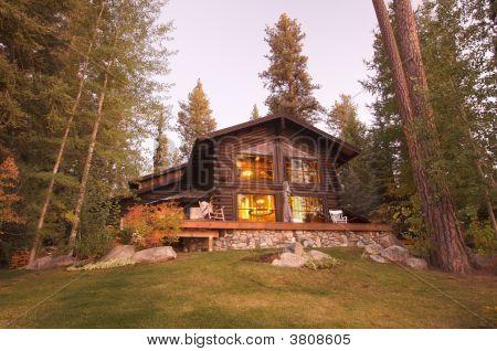 Beautiful Log Cabin Exterior