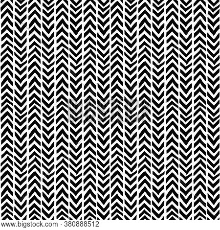 Chevron Seamless Pattern. Hand-drawn Zig Zag In Black On A Mural Background. Weaving Pattern. Vector