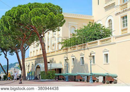 Monaco City, Monaco - June 13, 2014: The Palace Of Princes Of Monaco, Pyramids Of Cannonballs And Ca