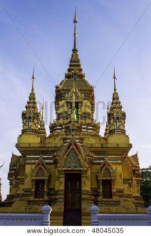 Chedi In Wat Kamat In Chomthong , Chiangmai Thailand