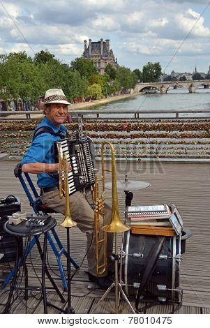 One Man Band Entertainer On The Pont Des Arts, Paris France.