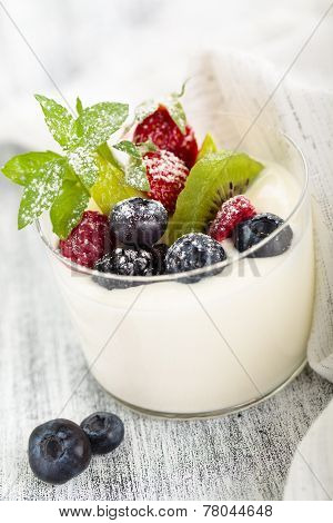 Yogurt With Mint And Berries.