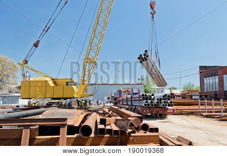 Loading Of Steel Products And Tubes With Crane
