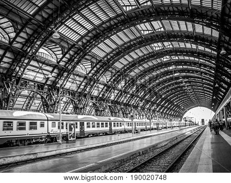 MILAN, ITALY-SEPTEMBER 28, 2011: Milan Central Station. Trains stop under the splendid cover of the Milan railway station built in 1931