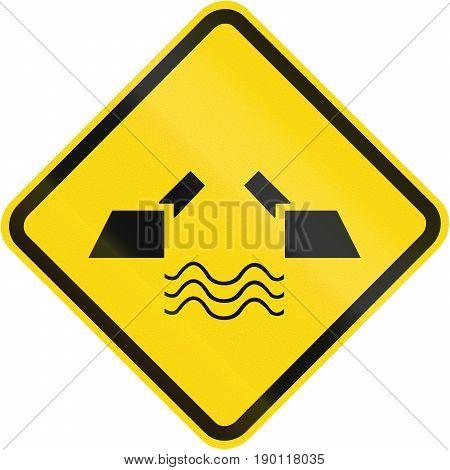 Opening Bridge Warning Sign Used In Brazil