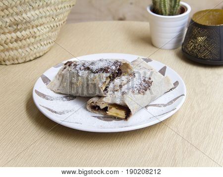 Crepe de plátano y chocolate. Banana and chocolate crepe.