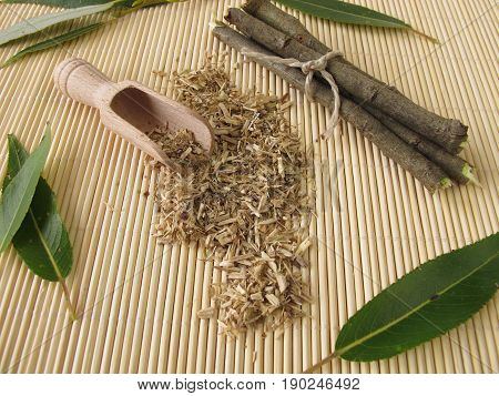 Loose tea from willow bark and fresh bark and leaves