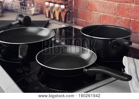 Kitchenware for cooking classes on electric stove
