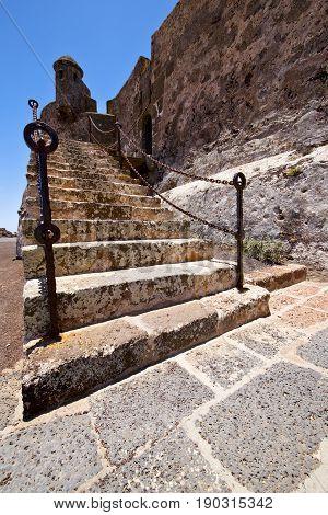 Step Arrecife  Drawbridge  Lanzarote    Sentry Tower And Door