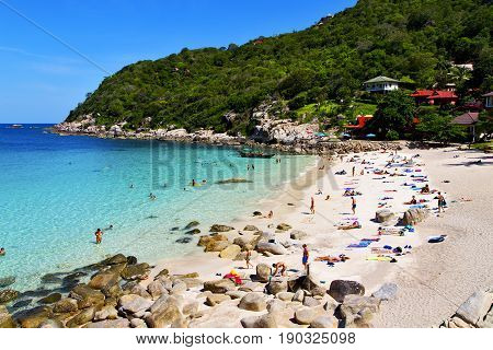 Asia   The  Kho Tao Bay Isle White  Beach   People