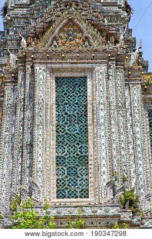 Window     Gold    Temple    Bangkok  Tree