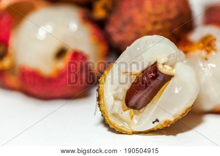 Sweet flesh of the fresh lychee with little scent and the seed size is variable.