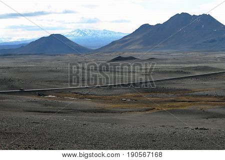 By a lost road in Iceland to the discovery of peace that all nature conveys and makes us feel